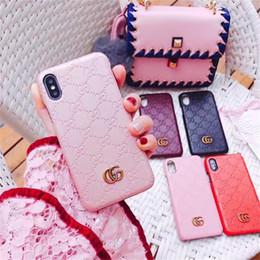 Para Galaxy S10 e S9 S8 más Nota 9 N8 Cubierta de cuero dura con relieve en relieve de lujo para Iphone X XS Max XR 8 7 6 6S Más marcas de moda Estuche para teléfono en venta