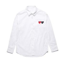 Designer de camisas polo homens COMMES PLAY HOLIDAY roupas OFF camisa de  manga comprida Des Garcons mulheres de algodão branco Cardigan coração  dupla Pablo ... 872100c919666