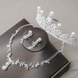 $enCountryForm.capitalKeyWord Australia - Luxury Pearl Bridal jewelry with Crown Diamond Necklace and Earrings Bridal Accessories Wedding Jewelry Sets Fashion jewelry Hot Sale
