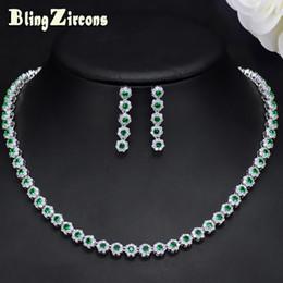 accb4f30db03 BlingZircons Elegante Cristal Verde Y CZ Piedra Traje Pendientes Conjuntos  de Joyas Para Las Mujeres Accesorios Del Banquete de Boda JS110