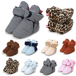 Wholesale Hot Newborn Baby Shoes Boots Winter Indoor Home Walking Infant Kids Winter Anti Slip Striped Leopard Soft Bottom Crib Booties