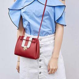 women fashion girl shoulder bag large capacity Overnight weekender vs  handbag Weekend Travel Tote Bag Cosmetics Bag 807e7aa50138