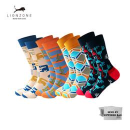 $enCountryForm.capitalKeyWord NZ - Classic Fashion Leisure Cotton Men's Happy Socks Geometry 3D Print Socks Hot Grappige Sokken 4PCS LIONZONE Brand Sox
