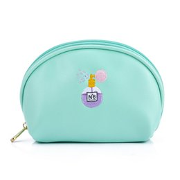 $enCountryForm.capitalKeyWord UK - Bentoy Cartoon Embroidery Women Cosmetic Bags Shell Makeup Bag Cosmetic Case Travel Makeup Organizer Clutch Women Pouch Bag