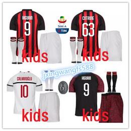 Mejor calidad 18 19 Milan Kids Soccer Jersey kit 2018-19   9 HIGUAIN   10  CALHANOGLU   13 ROMAGNOLI   63 CUTRONE uniforme de camiseta de fútbol  infantil 9ceb9fe4bdbef