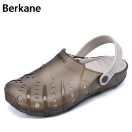 Men Eva Clogs Canada - Clogs Men Beach Slippers Summer Rubber Sandals Hole Shoes Mules Flip Flops Pantufas Chinelos Garden Fashion Eva Zapatos Hombre