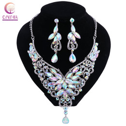 $enCountryForm.capitalKeyWord UK - Luxury Sweater Chain Color Crystal Clavicle Rainbow Jewelry Kenya Necklace Earrings Set Exaggerated Costume Jewelry Woman