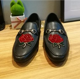 $enCountryForm.capitalKeyWord UK - 2018 New Style Luxury France Brand India handmade luxurious embroidery men velvet shoes Men dress shoes Banquet and Prom male loafers Z574