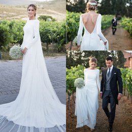 Venta al por mayor de 2019 Vestidos de boda de país con encanto Mangas largas Bateau Backless Sweep Train Garden Boho Vestidos de novia Vestido De Novia Barato personalizado