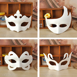 $enCountryForm.capitalKeyWord NZ - 200pcs DIY Mask Hand Painted Halloween White Face Mask Zorro Crown Butterfly Blank Paper Mask Masquerade Party Cosplay Masks By Free DHL