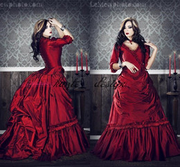 Barato Pescoço Pescoço Trajes-Gothic Victorian Cosplay Costumes Com V-Neck Half Sleeves Ruffles Draped Borgonha Red Ball Gown Holloween Prom Festa Vestidos Evening Wear