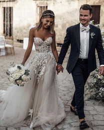 $enCountryForm.capitalKeyWord Canada - Bohemian 2019 Beach Wedding Dresses Sweetheart Neck Appliques Beaded Lace Bridal Gowns With Bra Cheap Sexy Boho Wedding Dress Plus Size
