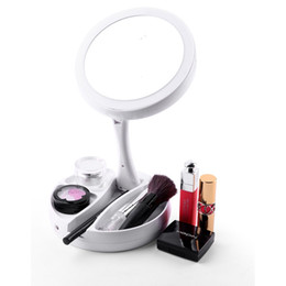 China My Foldaway Mirror Lighted Double Sided Vanity Mirror Distortion-free LED-illuminated Mirrors Powered by Batteries or USB Cable suppliers