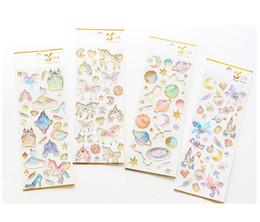 c88abfe29650 Etiqueta engomada del cristal del unicornio Decoración manual del  estereotipo DIY Arco iris lindo Pegaso Recompensa de los niños Castillo  estrellado Mundo ...