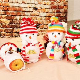snowman boxes NZ - Christmas Eve Cute Knitted Snowman Doll Apple Bag Fruit Box Christmas Gift Bag Apple Decoration Color Random
