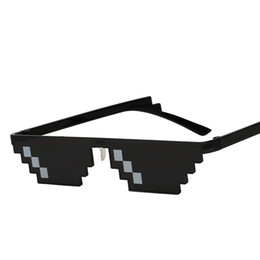 Chinese  Unique Vintage Mosaic Party Sunglasses Men Cool Puls Size 8Bits Pixel With Nose Pads Sunglass KH01 manufacturers