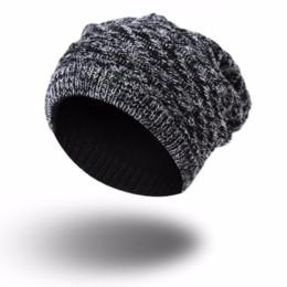 5d19d327f23fb 2018 Novo Outono Inverno Moda Chapéus Para Mulheres Dos Homens De Malha  Gorro Cap Skullies Gorros Osso Macho Dupla Face Desgaste Do Chapéu ACI36