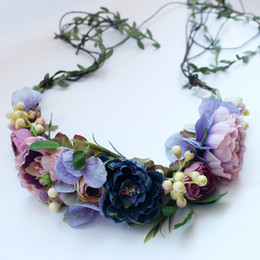 Wedding veil floWer croWn online shopping - Bride Headdress Vines Manual  Flower Berry Wreath Rose Flower 44ad3ab9127