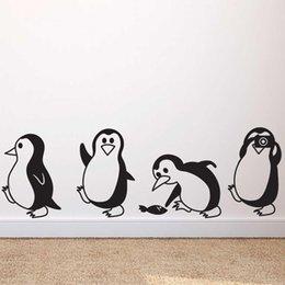 Cute little pinguino wall sticker Home Decor bambini soggiorno Murali murali Art Decalcomanie sfondi ani adesivi in Offerta