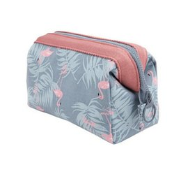 China New Arrive 2pcs lot Flamingo Cosmetic Bag Women Necessaire Make Up Bag Travel Waterproof Portable Makeup Bag Toiletry Kits cheap necessaire makeup suppliers