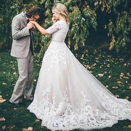 Simple Short Western Wedding Dresses Canada - Lace Modest Wedding Dresses with Short Sleeves 2018 Princess Wedding Gowns Vintage Country Western Bridal Wedding Dress Zipper Buttons Back