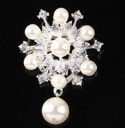 Pin For Wedding Dress NZ - Charm Women Crystal Pearl Flower Brooches Scarf Buckle Gold Silver Tone Corsage Brooch Pins For Wedding Jewelry Dress Accessory 4.2*5.5cm