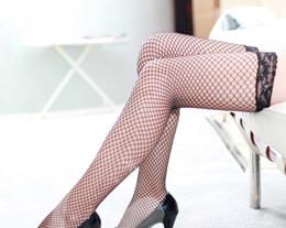 9efbbba6e9 Sexy Black knee High Fishnet Medias Ladies Fancy rojo blanco rosa medias de  malla violeta sobre la rodilla de nylon de malla alta