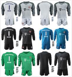 2018 2019 Kids Long Sleeve NEUER Goalkeeper Jersey Kit Youth Soccer Sets  1  Manuel Neuer  26 Ulreich Hoffmann Football Kits KID Full Uniform 167173e36