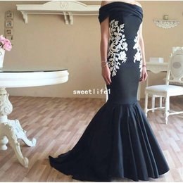 images white evening dresses Canada - 2019 Off The Shoulder Evening Dresses White Appliques Mermaid Black Stain Dubai Arabic Style Formal Prom Occasion Dresses Custom Made