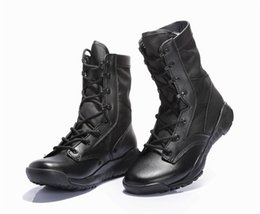 China CQB ultra-light combat boots summer high top desert boots men's tactical combat shoes security army boots cheap springs security suppliers