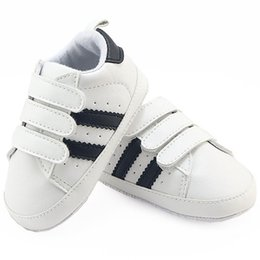 56c581fdf726 2018 Newborn PU Casual Infant Sneakers Baby Boy Girl Toddler Shoes Brand  Moccasins First Walkers Sapatos Zapatos De Menino