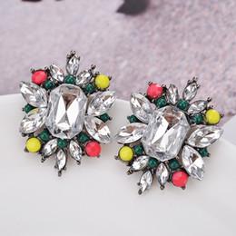 2fb5674f5797 Con incrustaciones de color Austria Pendientes de cristal Elementos  swarovski Brillante No se desvanece Joyería fina personalidad de las  mujeres Retro marca ...