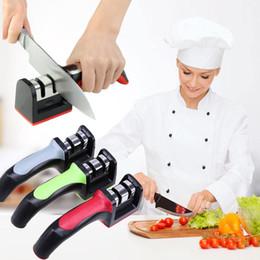 3 colores Afiladores de Carburo Duro Mango de Cerámica Cuchillo de la Casa Grindstone Grueso Afilado fino Piedra Cuchillo Herramienta de la muela GGA594 30 UNIDS en venta