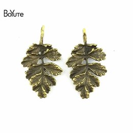 Bronze Connectors NZ - BoYuTe (40 Pieces Lot) 20*31MM Zinc Alloy Materials Antique Bronze Silver Plated Metal Maple Leaf Connector for Diy Jewelry Makings