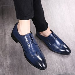 Discount business casual dress shoes for men - Fashion Men Dress Shoes  Pointed Toe Luxury Bullock 91b04c6fac74