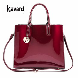 $enCountryForm.capitalKeyWord Canada - luxury designer Red Patent Leather Tote Bag Handbags Women Famous Brand Lady's Lacquered Handbag bags for Women Shoulder Bag SacY1883107