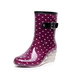 Chinese  Fashion New Arrival Pvc Rain Boots Waterproof Flat shoes Woman Rain Woman Water Rubber Zipper Boots Good Quality Boot manufacturers