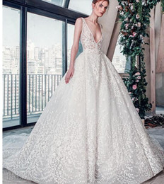 $enCountryForm.capitalKeyWord Australia - 2018 luxury wedding dress high-end Gorgeous wedding dresssA line embellished with 3D flowers, silk threads, sequins, pearls and crystals.10