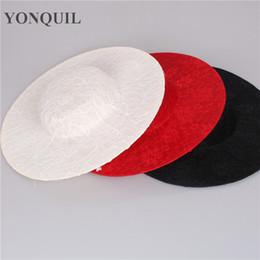 64f0cb1d37055 30CM 3Color redondo imitación Sinamay con encaje Fascinator Base sombreros  del partido nupcial sombreros decorativos mujeres rojo Cóctel sombrerería