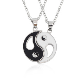 $enCountryForm.capitalKeyWord UK - 2 PCS Best Friends Necklace Jewelry Yin Yang Tai Chi Pendant Necklaces Black White Couples Paired Necklace For Men Women Gift