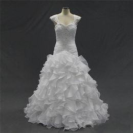 $enCountryForm.capitalKeyWord Australia - Sexy Beaded Ruffled Organza Wedding Dresses Vintage Sweetheart White Lace Applique Court Train Corset Bridal Gowns