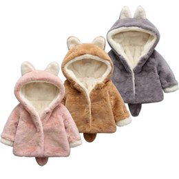 China 886631 New Fashion Girl Faux fur coat winter clothes imitation fur children thickened Girl Winter Clothing Furry Coat cheap furry clothing suppliers