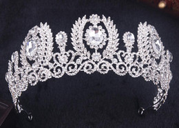 tiaras crowns NZ - 2018 Luxurious Sparkle Pageant Crowns Rhinestones Wedding Bridal Crowns Bridal Jewelry Tiaras & Hair Accessories shiny maid Party Gowns C058