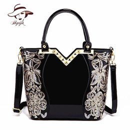 $enCountryForm.capitalKeyWord NZ - New Black Simple Luxury Women Party Evening Leather Handbag Popular High Quality Girl Messenger Bag Classic Flower Shoulder Tote