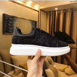 c34e16a754 2018 Luxe Marque Hommes Sneakers Mc Casual Superstar Rouge Bas Reine Des  Chaussures De La vraie Ligne En Cuir Retour Lace Up Chaussures De Course  Livraison ...