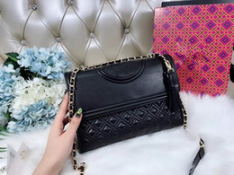2018 new lady fashion hot donna borsa lettera T design catena in pelle crossbody covertible Diamond Lattice spalla tracolla bag 27cm in Offerta