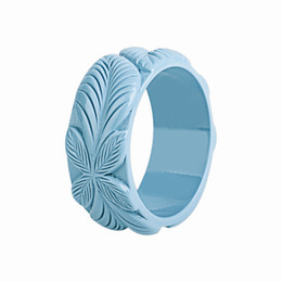 $enCountryForm.capitalKeyWord NZ - GuanLong Dropshipping Carved Flora Leaf Bracelets & Bangles Wholesale 2018 New Collection Resin Model Jewellery