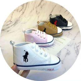 719b30f8bf9e4 Doux luxruy marque Newborn Chaussures Enfants Chaussures Bébé Fille Bébés  Bébés et général chaussures taille 1-3