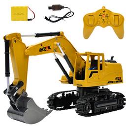 RC Truck 2.4G 1:24 excavadora de control remoto vehículo 8 canales de carga de metal modelo juguetes de luz LED de simulación de sonido en venta
