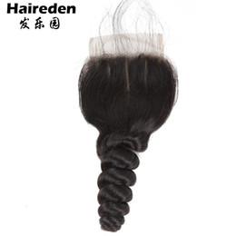 Toptan satış Brezilyalı Gevşek Dalga Demetleri Ile Kapatma Ücretsiz Kısmı Remy İnsan Saç Paketler Kapatma Ile 4x4 Dantel Ücretsiz Orta Kısmı Olmayan Remy 100% İnsan Saç